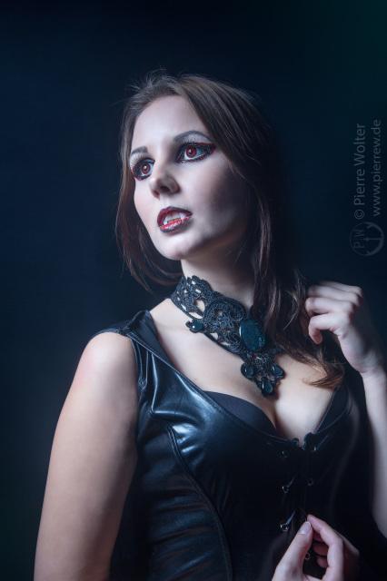 Lunaris Valencia // Vampir