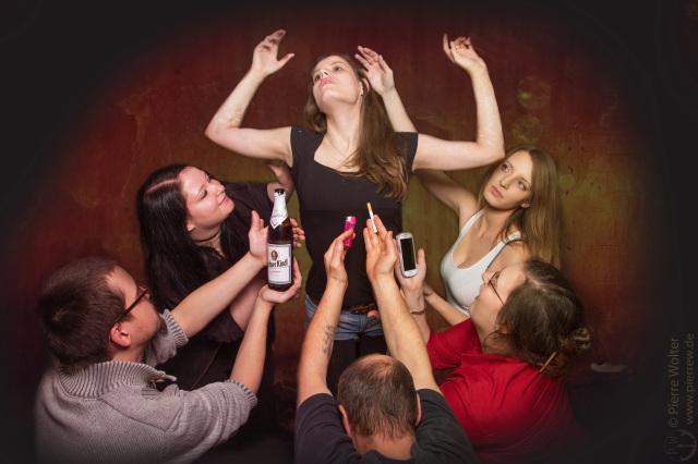 Partyfoto: Beta angehimmelt