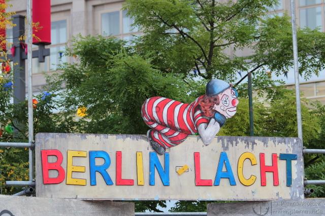 Berlin lacht