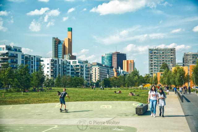 Park am Gleisdreieck im Sommer