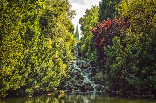 Wasserfall am Viktoriapark
