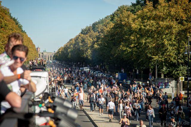 Love World Peace Parade 2019