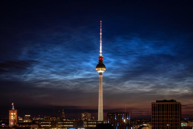 Leuchtende Nachtwolken (NLC) am 16.06.2020 in Berlin