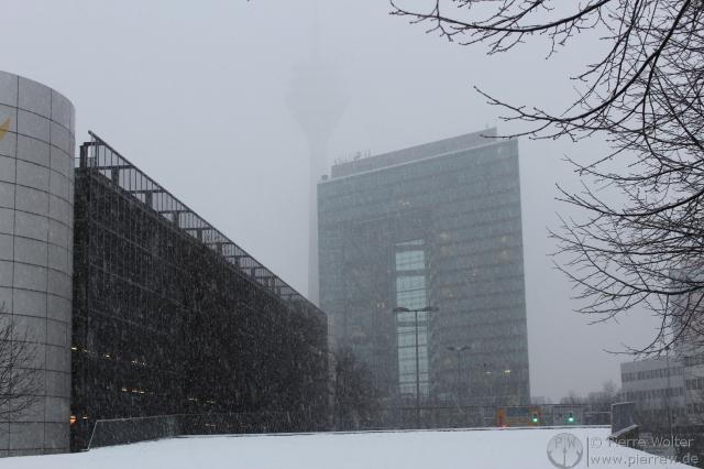 Stadttor im Schnee