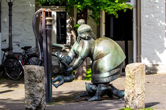 Brunnen ''Die Waschfrau'' von Hans Gerd Ruwe