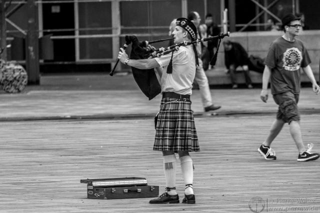 Dudelsack-Spieler auf dem Alexanderplatz
