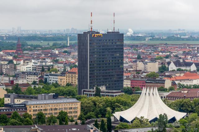 Tempodrom, Postbank-Hochhaus, Tempelhofer Freiheit