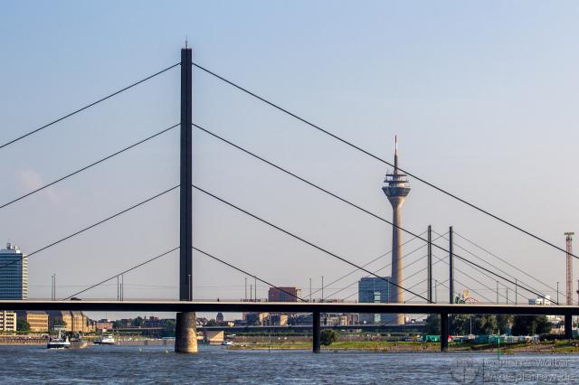Rhein, Brücken, Rheinturm