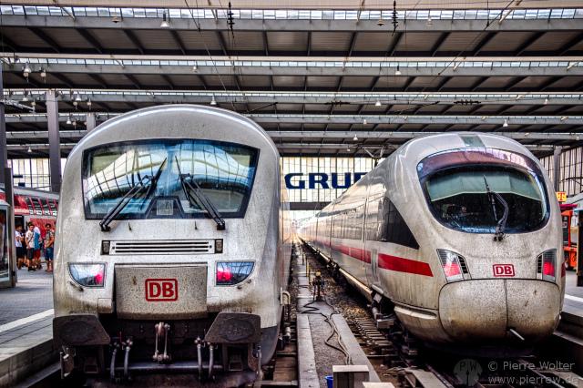 Metropolitan und ICE3, München Hbf.