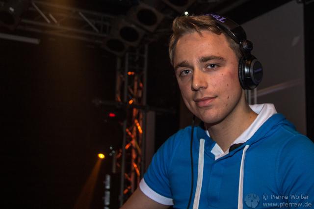 Cast DJ
