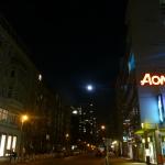Mond über der Krausenstr. am 11.11.11