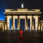 Mini-Wächter am Brandenburger Tor mit Mischbier