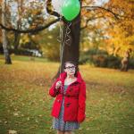 Lexi // Mit Ballons stehen gelassen im Herbst :)