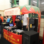Erdbeer DJ-Pult