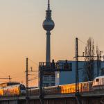Sonnenuntergang 09.04.2015 mit ODEG, S-Bahn und ICE