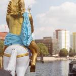 Reiter am Goldenen Schiff