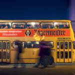 Historischer Bus auf Berlin leuchtet-Tour