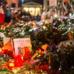 #ParisAttacks // Gedenken am Brandenburger Tor