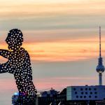 Molecule Men im Sonnenuntergang