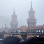 Oberbaumbrücke im Nebel