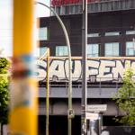 S-Bahn defaced - Saufen