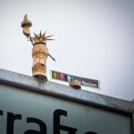 Street Yogi, Freiheitsstatue