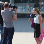 Sat.1 interviewed Passanten