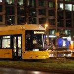 Heutige Übung: Fahrende Trams nachts fotografieren
