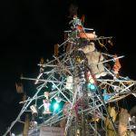 Schrott-Weihnachtsbaum