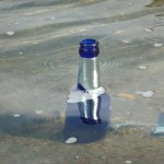Bierflasche im Wasser