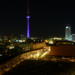 Erstrahlter Alexanderplatz-Kiez