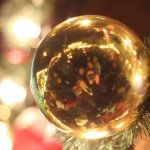 Wir in der Weihnachtskugel :)