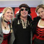 Thomas und 2 hübsche Damen im Dirndl