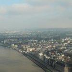 Düsseldorf von oben / Blick vom Rheinturm