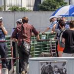 Polizeiabsperrung - Entenschirmchen