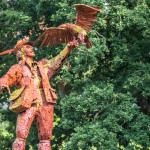 Falkner-Statue im Tierpark Sababurg