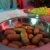 Würstchen und Mais zum Raclette