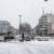 Vorplatz des Krefelder Hauptbahnhofs in Schnee